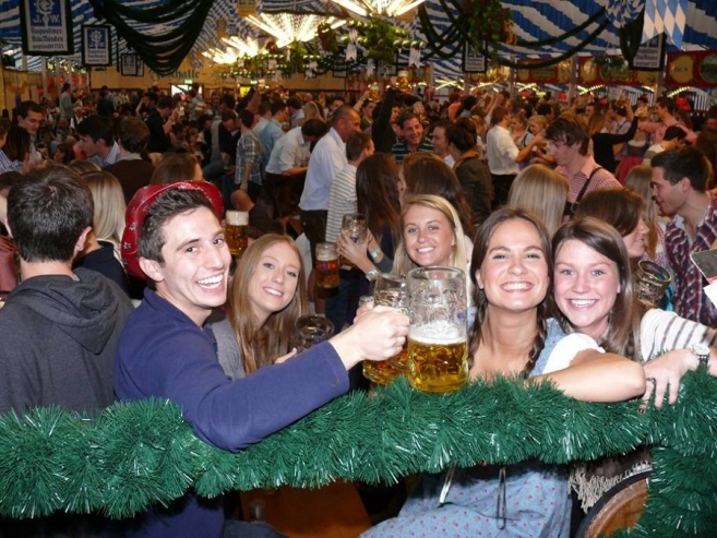 Festivals in Munich: Frühlingsfest (Spring Festival) April 15 – May 1